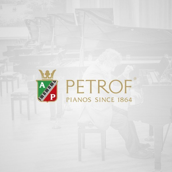Pianos International